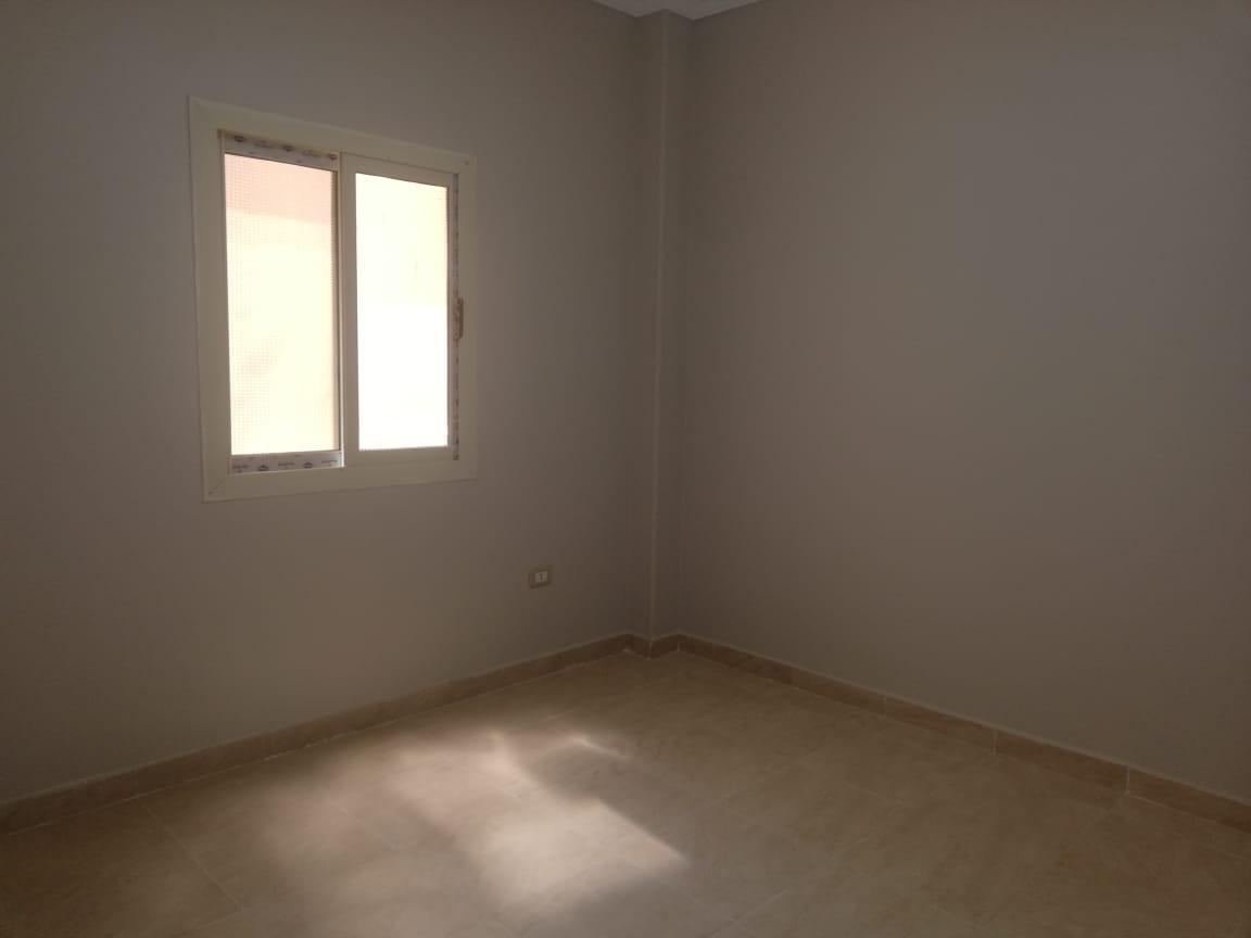 شقة للبيع باللوتس الجنوبية التجمع الخامس القاهرة الجديدة